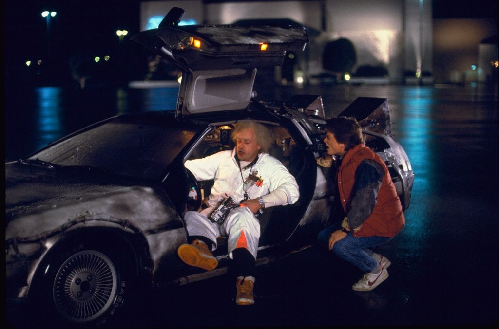 Mary, Doc Brown und der DeLorean